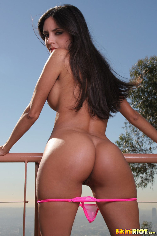 Фото порно пышные в бикини 6 фотография