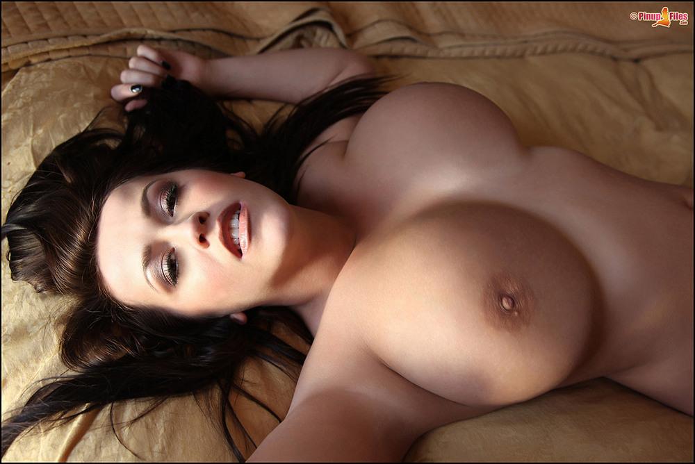 эро девушки с большой грудью фото