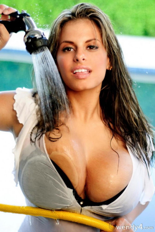 Latinas pics nude girls
