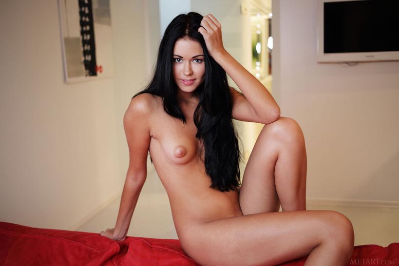 материалы, которые фото и видео голых брюнеток секс между двумя