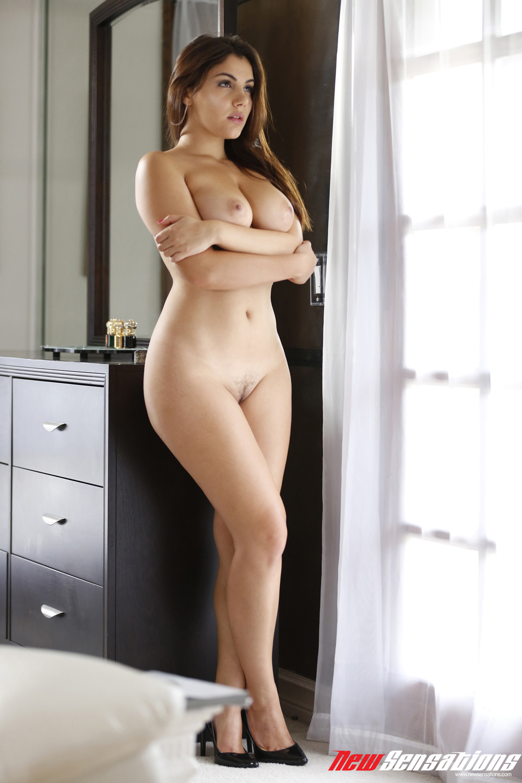 sexy-valentine-naked-fuck