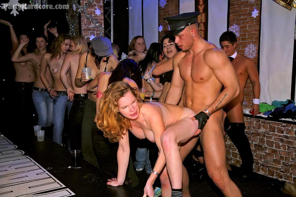zadnitsi-porno-seks-vecherinki-selebriti-eshe-pozhaluysta-porno