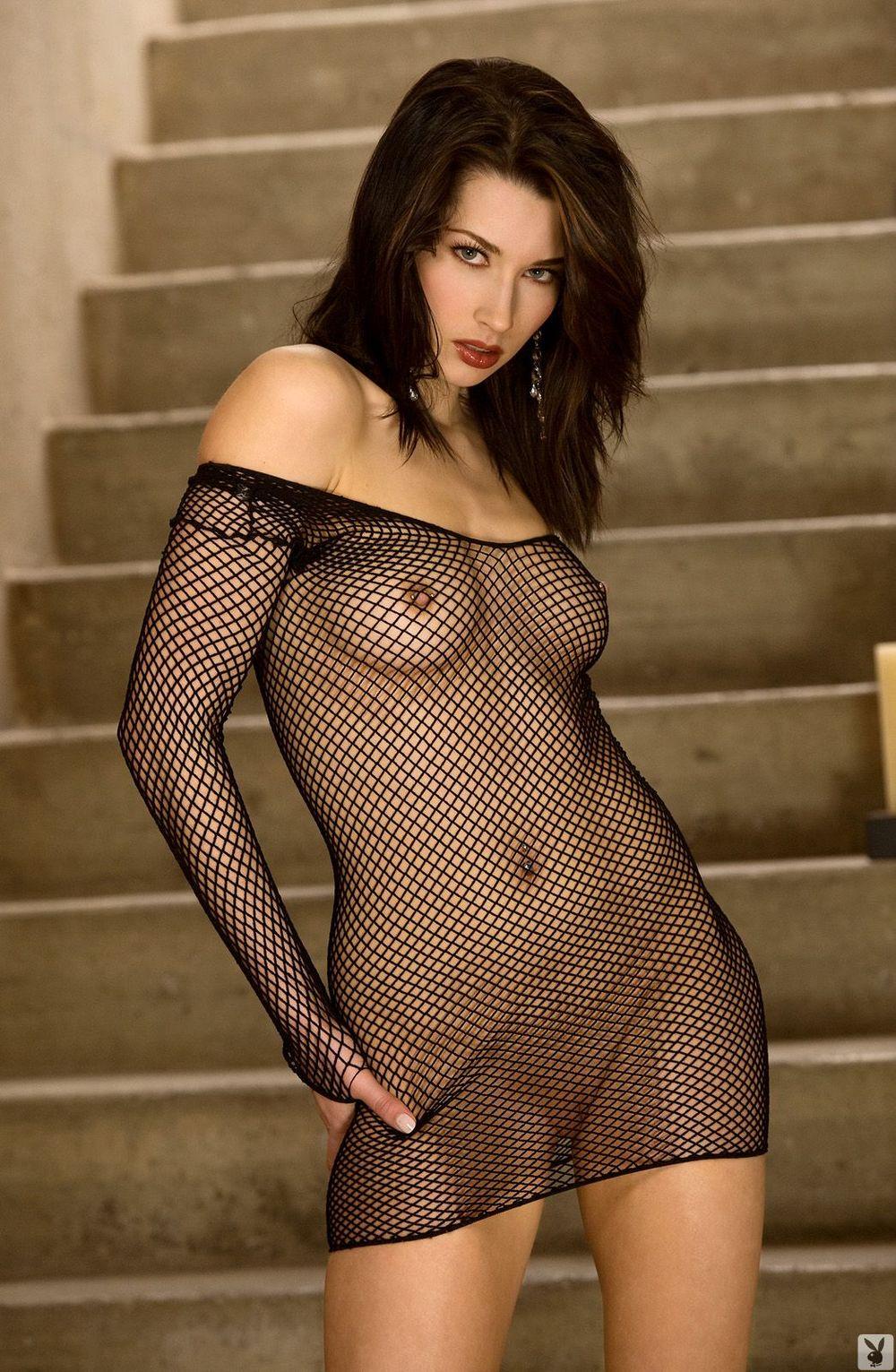 похотливые сучки в просвечивающей одежде девушки косичками обожают